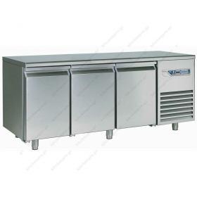Επαγγελματικό Ψυγείο Πάγκος 224 εκ. Συντήρηση 3 πόρτες Ζαχαροπλαστικής Ταψιά 40x60 εκ DESMON Ιταλίας